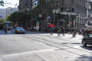 Bike commuters & public transportation mesh together in San Francisco - Image 3